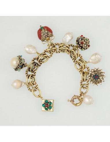 bracciale stile antico charms pietre dure e perle